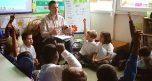 تعليم الفلسفة للأطفال في بعض التجارب الدولية