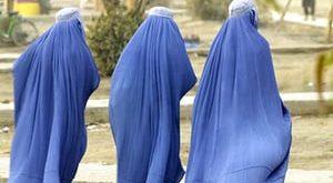 الإسلاميون والمرأة… عقوبة اجتماعية وإقصاء سياسي