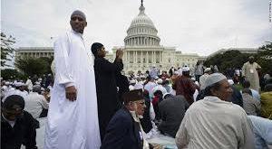 كيف تكون مسلما ودنيويا منشرحا في أميركا